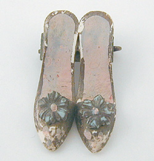 Newly Added Celluloid Shoes Brooch