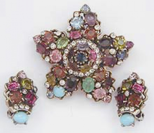 Newly Added Hollycraft Pastel Rhinestone Star Brooch Set