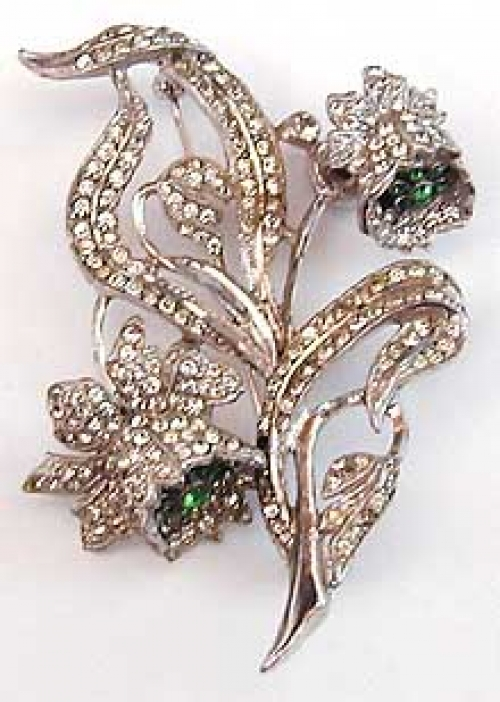 Newly Added Staret Rhinestone Floral Trembler Brooch