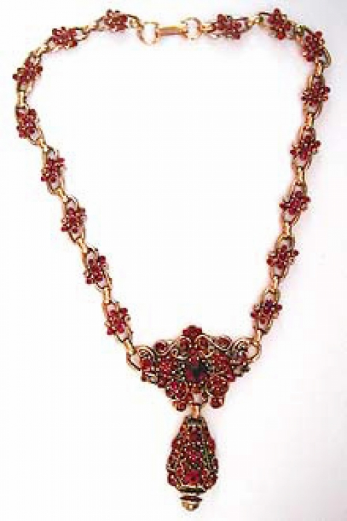 Newly Added Hollycraft Red Rhinestone Necklace