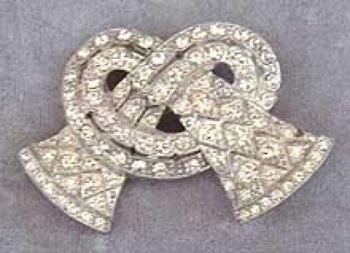 Newly Added LN Rhinestone Pretzel Knot Brooch