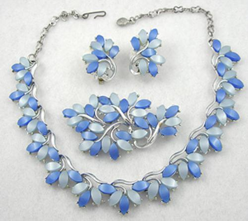 Newly Added Blue Plastic Leaves Parure