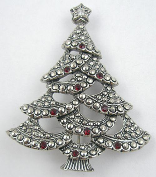 Newly Added Avon Christmas Tree Brooch