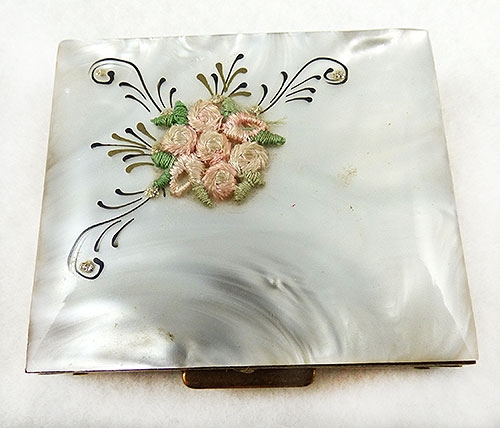 Newly Added Mother-of-Pearl Resin Compact Sewing Kit