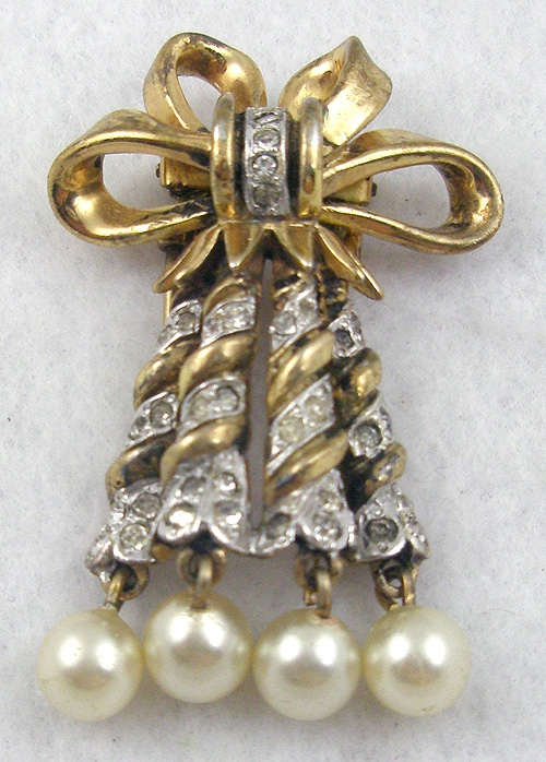 Newly Added DeRosa Sterling Curling Ribbon Fur Clip
