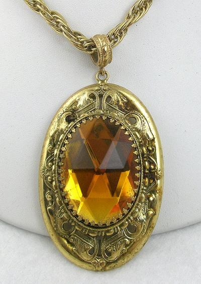 Whiting davis topaz pendant necklace garden party collection description whiting davis necklace a massive gold plated pendant on original thick gold plated chain the enormous golden topaz glass oval stone is set aloadofball Images